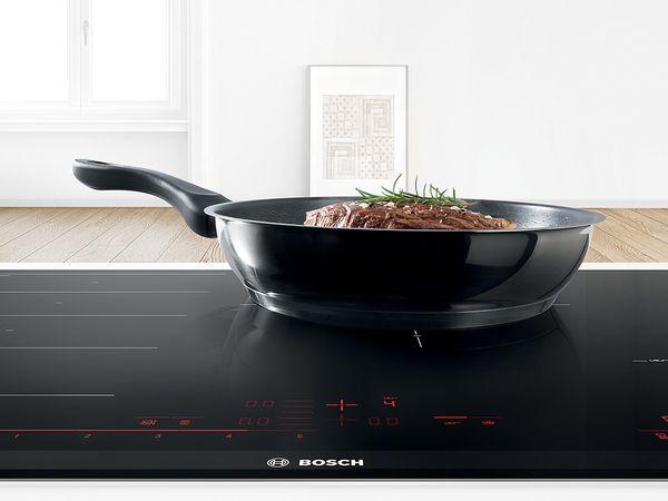 Cách rán bằng bếp từ - Chức năng chiên xào trên dòng bếp từ Bosch